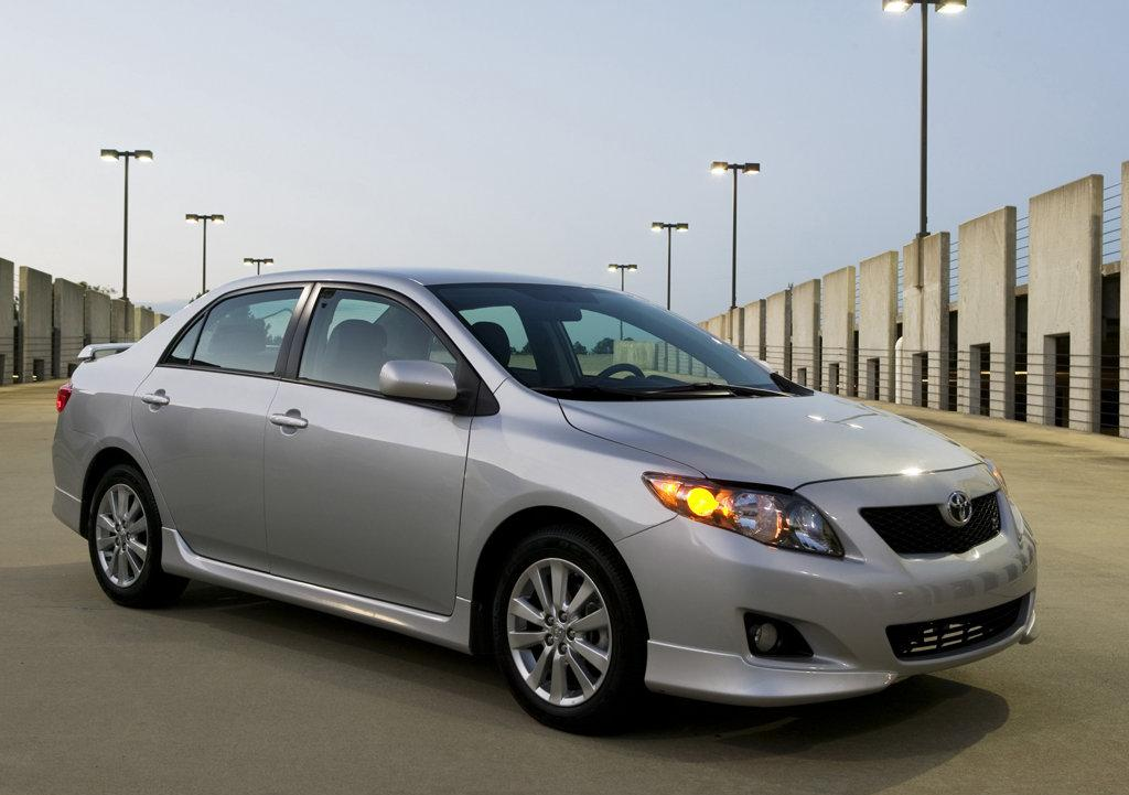 toyota_corolla_limited_edition_india