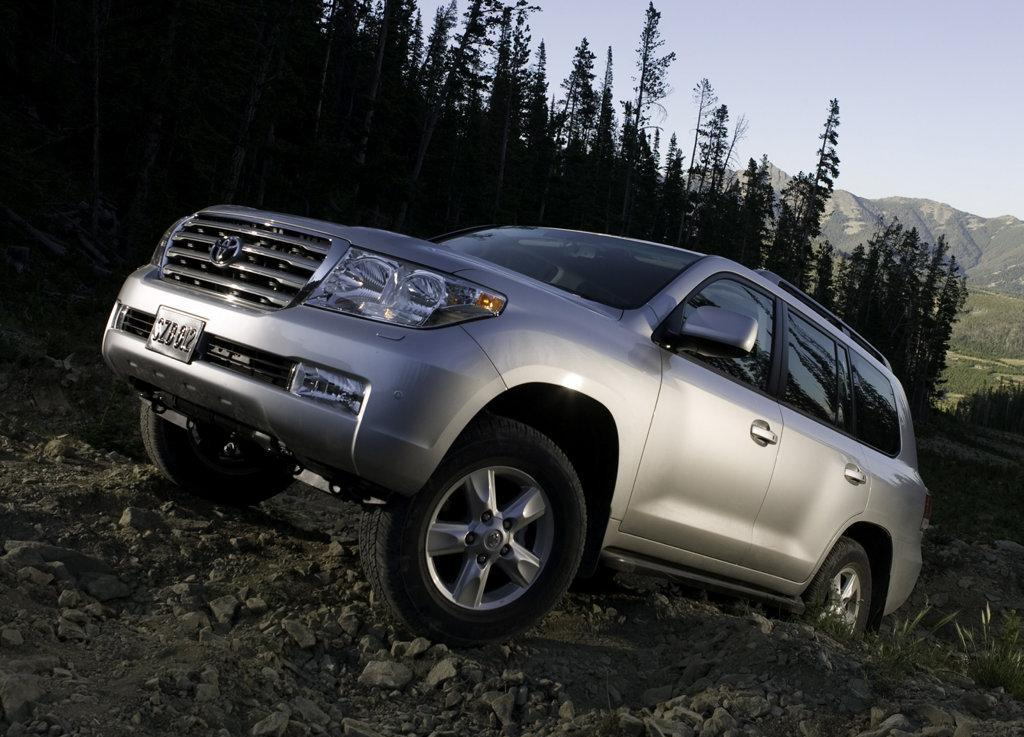 toyota_landcruiser_diesel_india