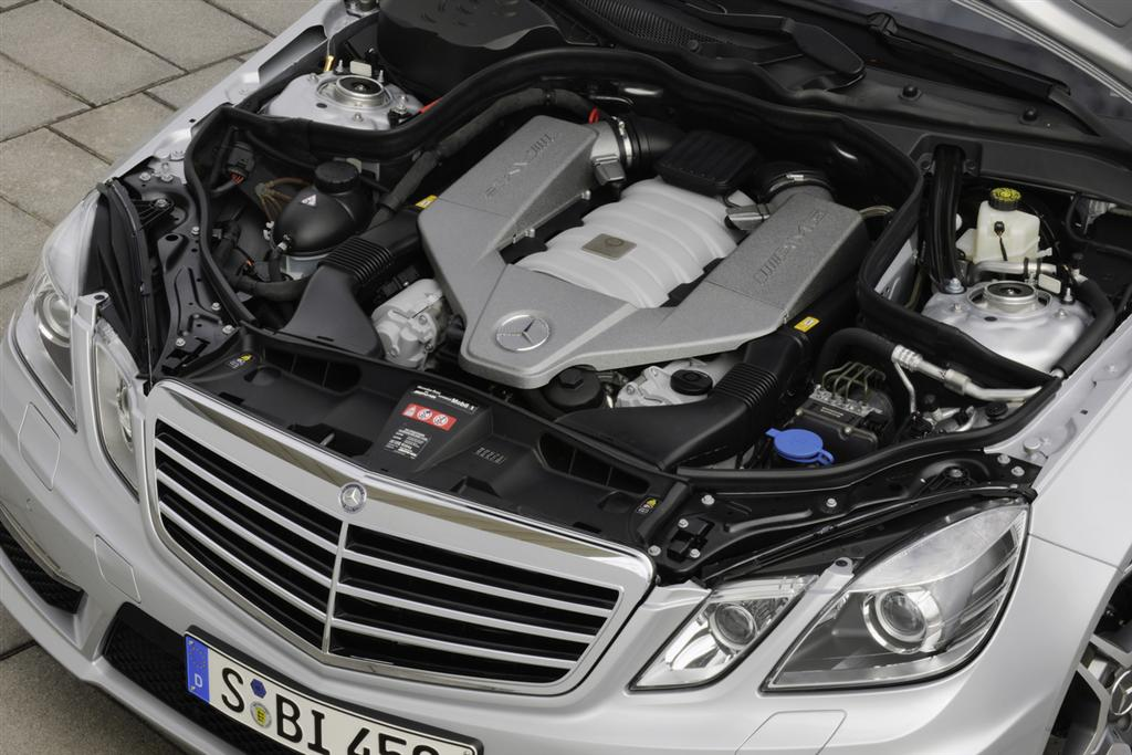 mercedes_e63_amg_engine