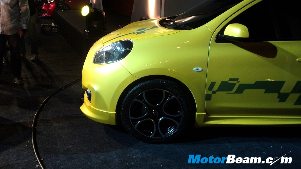 2011 renault pulse side yellow