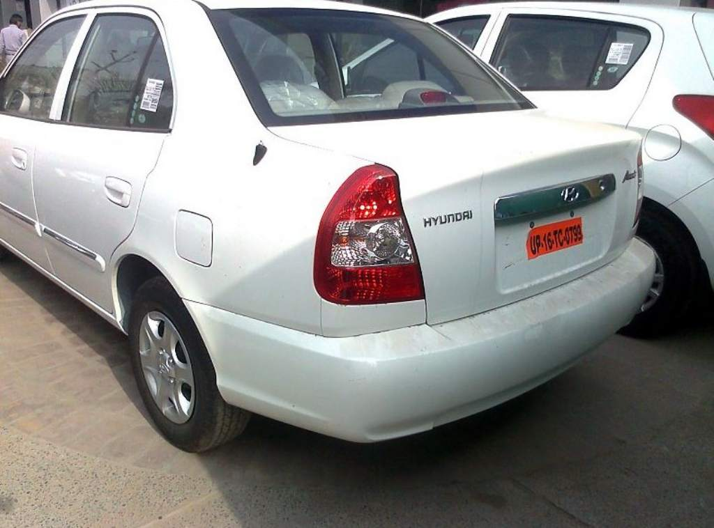 2011_Hyundai_Accent_Facelift