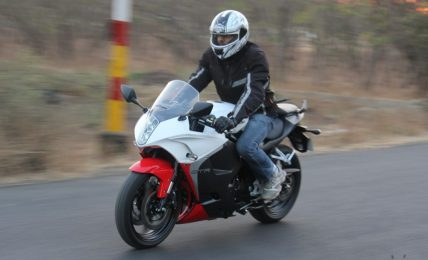 2013 Hyosung GT650R Review