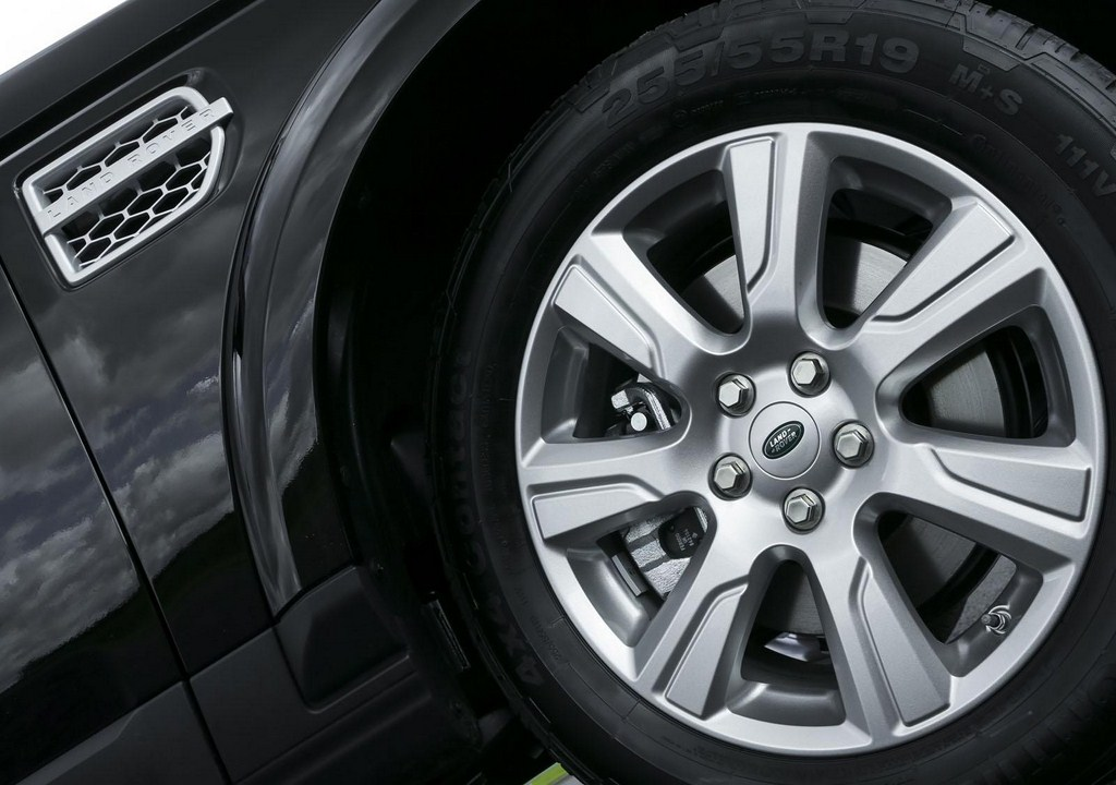 2013 Land Rover Discovery Wheels