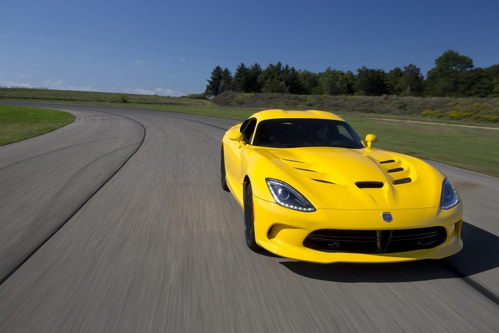 2013 SRT Viper yellow