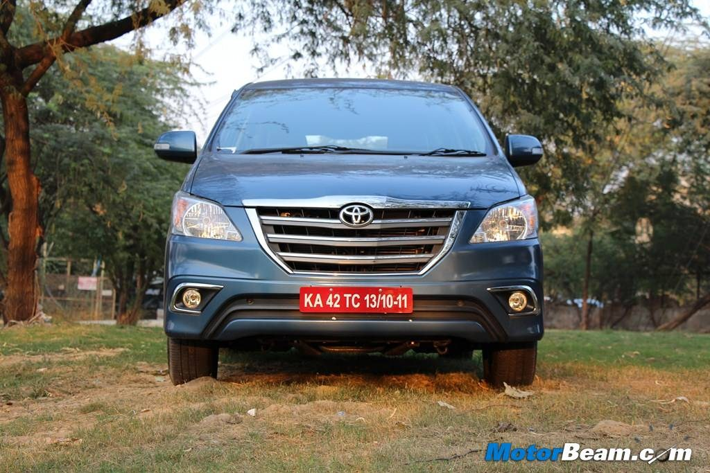 2013 Toyota Innova Test Drive Front
