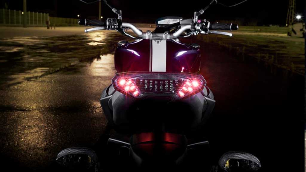 2013 Yamaha MT-09 Tail Light