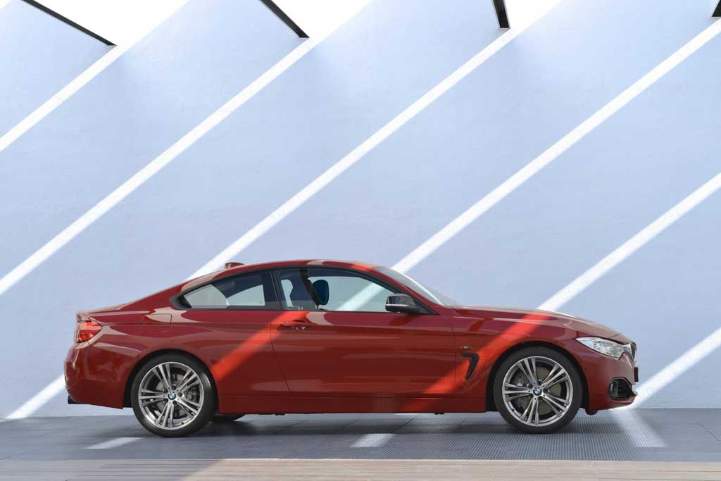 2014 BMW 4-Series Coupe Curves