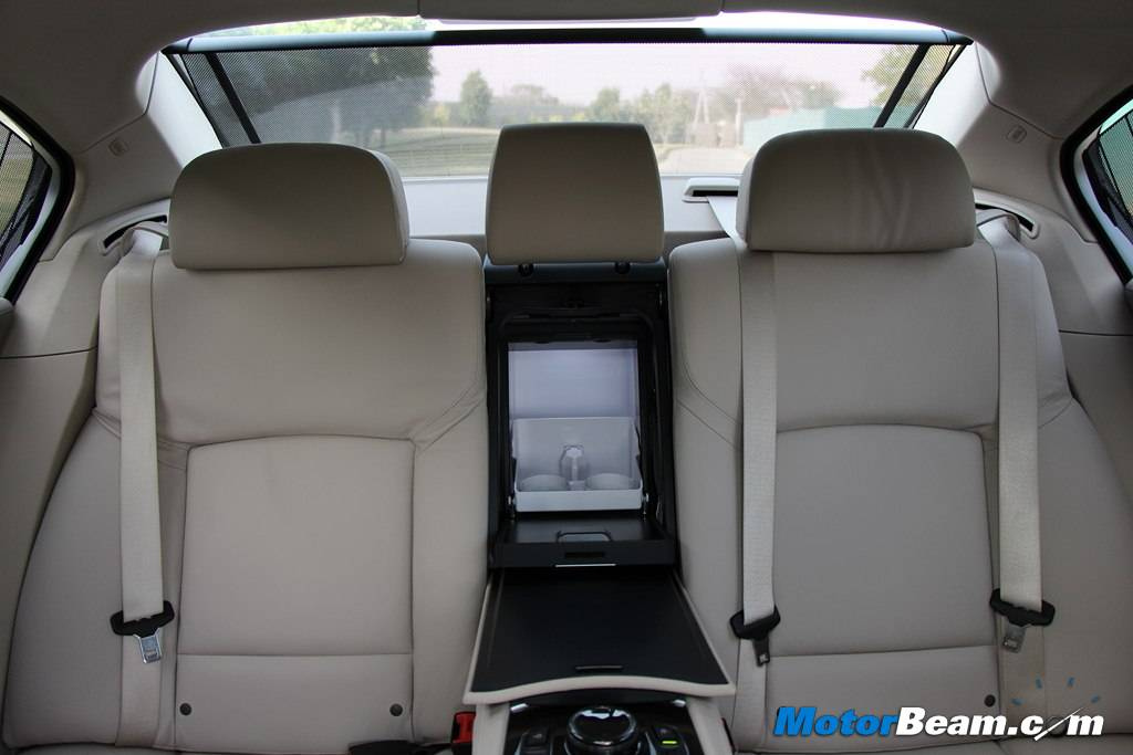2014 BMW 7-Series Rear Seat