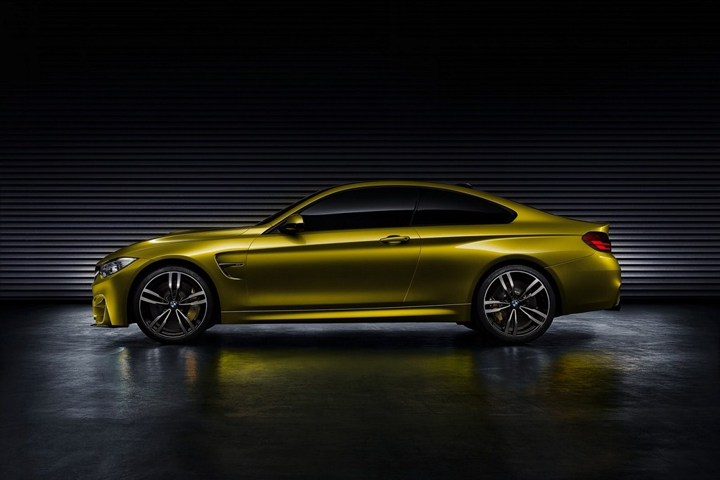 2014 BMW M4 Coupe Concept Side