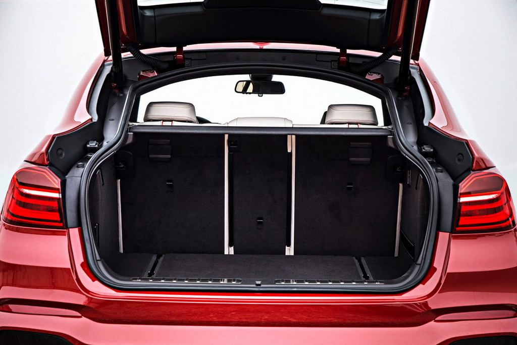 2014 BMW X4 Boot