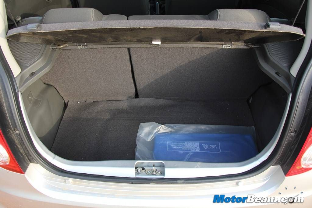 2014 Chevrolet Beat Boot Review