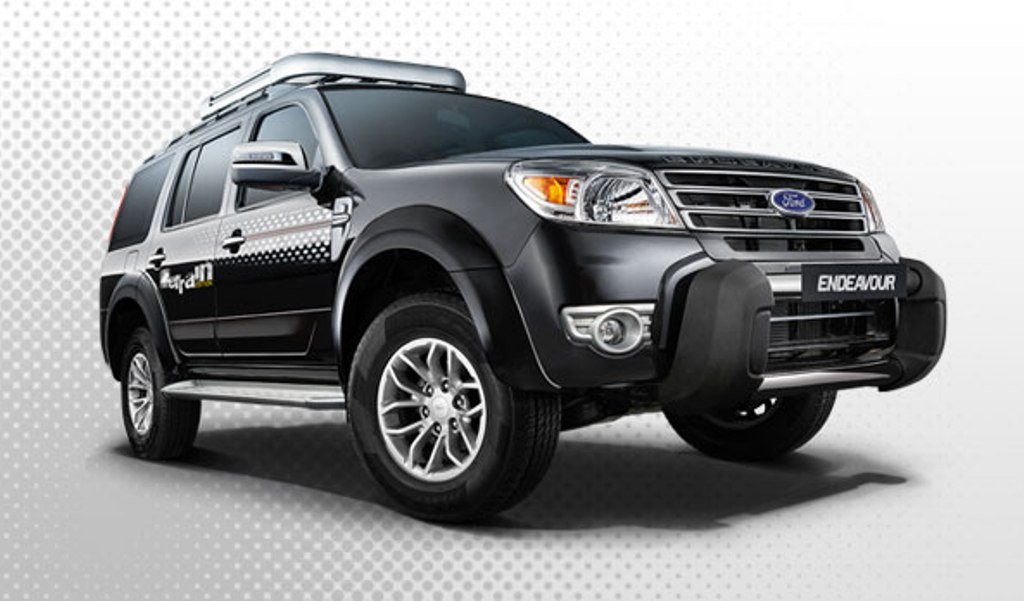 2014 Ford Endeavour Scuff Plates