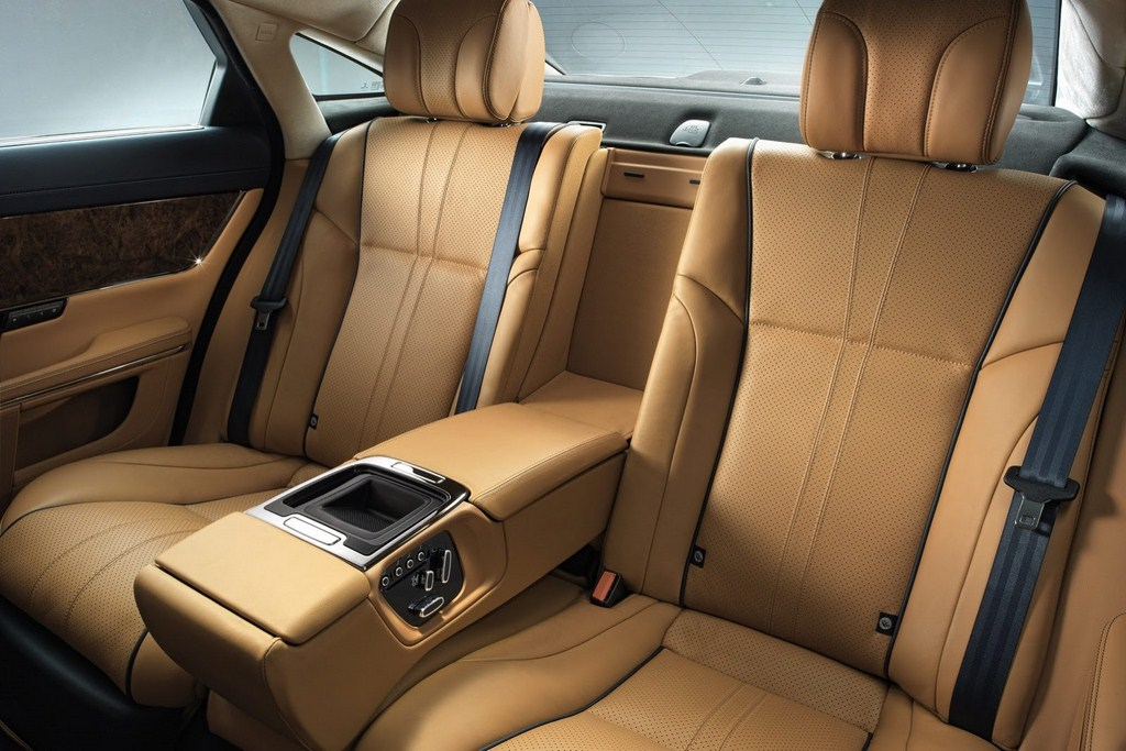 2014 Jaguar XJ Rear Seats