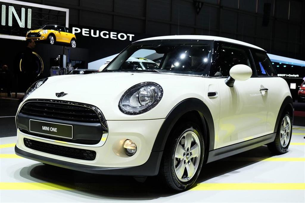 2014 MINI One Front