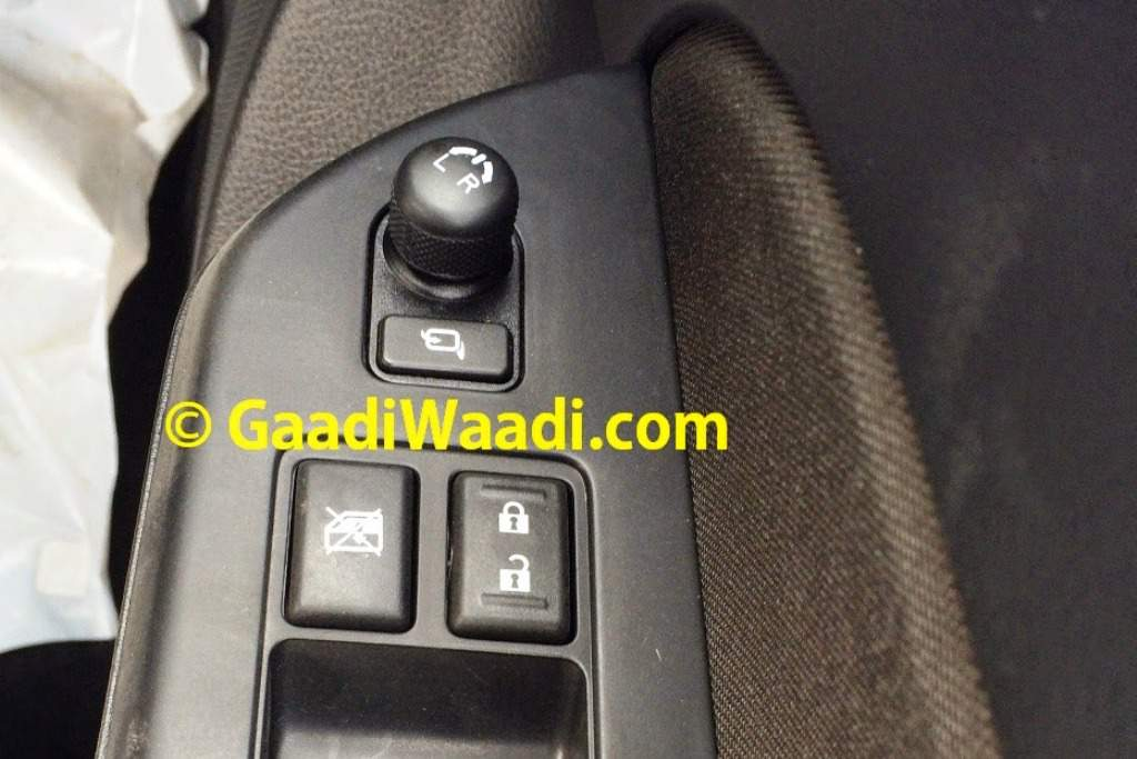 2014 Maruti Swift Facelift Spied Electric ORVMs