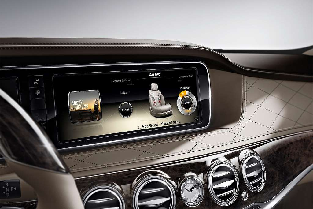 2014 Mercedes S-Class display