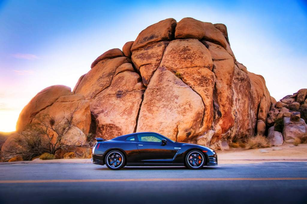 2014 Nissan GT-R Track Edition profile