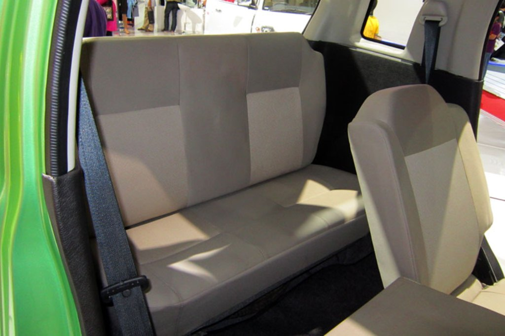 2014 Suzuki Wagon R 7 Seater Interiors