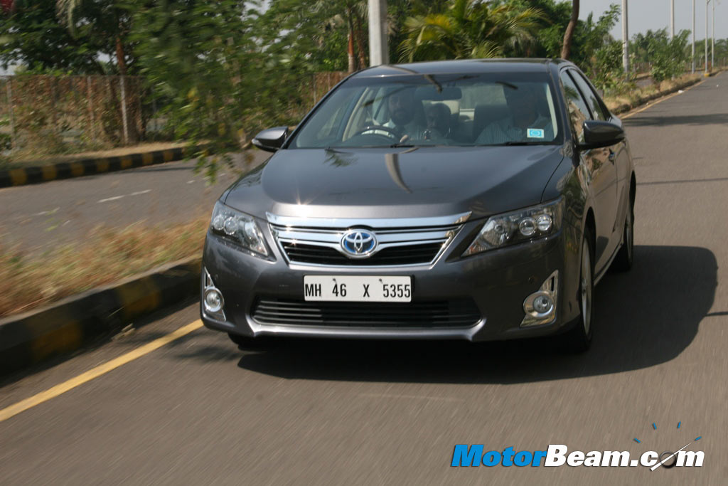 2014 Toyota Camry Hybrid User Review