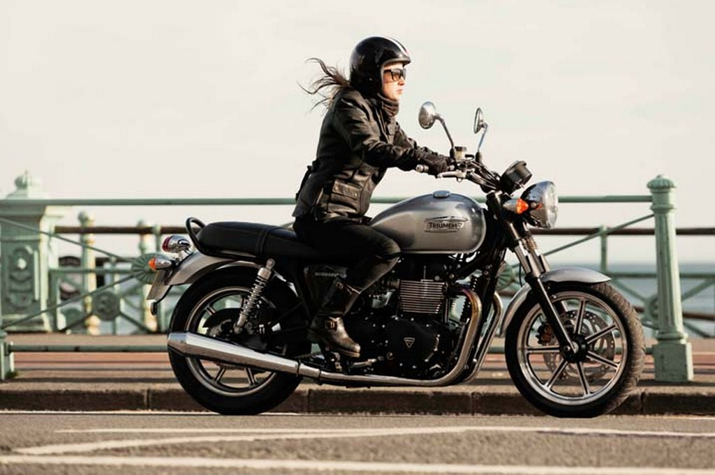 2014 Triumph Bonneville Side