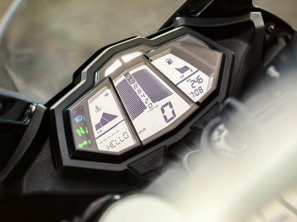 2014 Yamaha YZFR125 Instrument Console