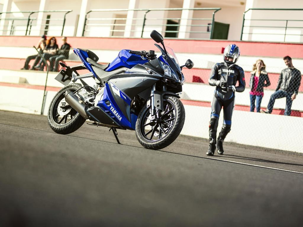 2014 Yamaha YZFR125 Side