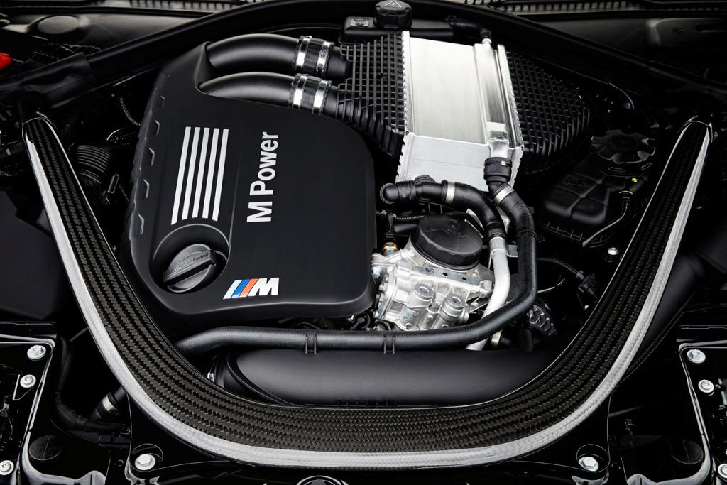 2015 BMW M4 Convertible Engine