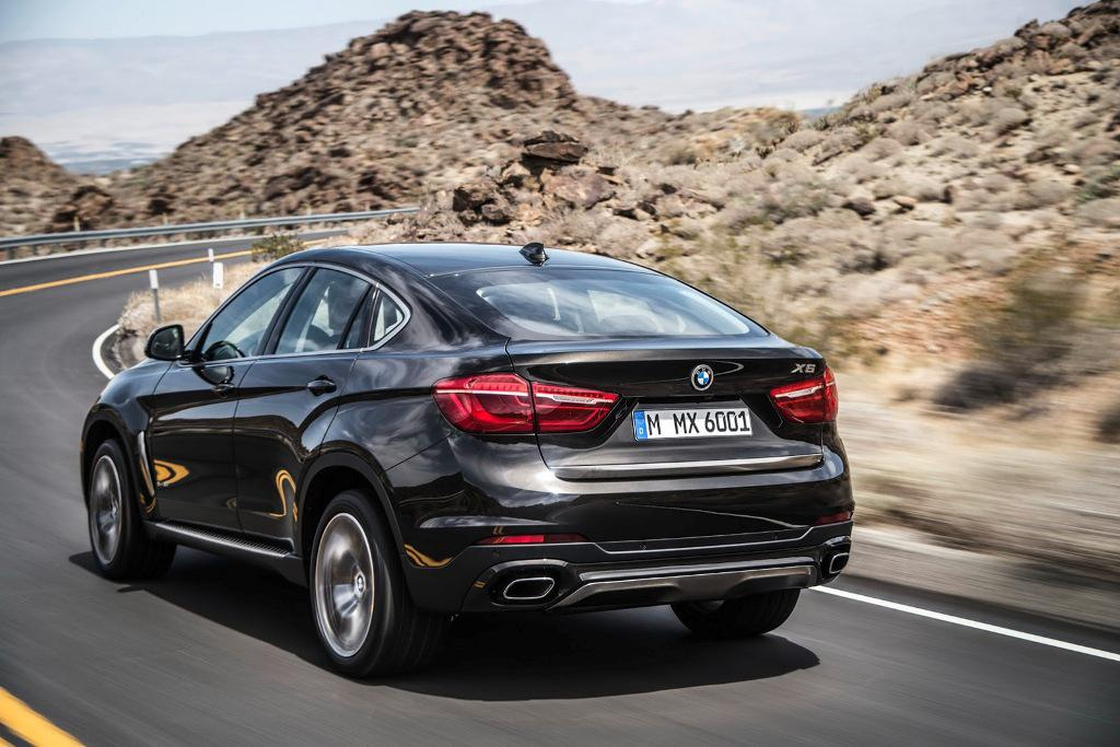 2015 BMW X6 Action