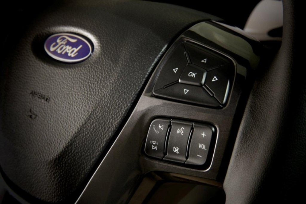 2015 Ford Endeavour Steering Controls