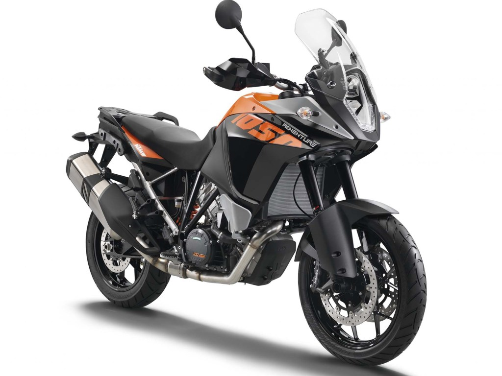 parallel-twin ktm 800cc adventure motorcycle launch in 2017