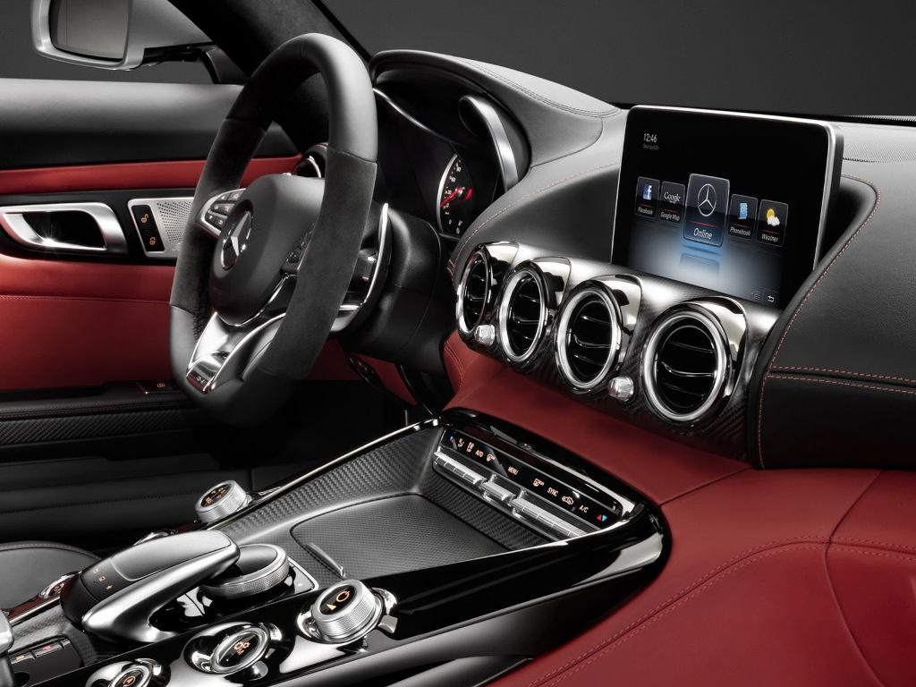 2015 Mercedes AMG GT Centre Console