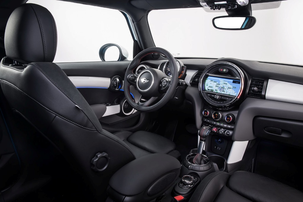 2015 Mini Cooper S 5-Door Interior