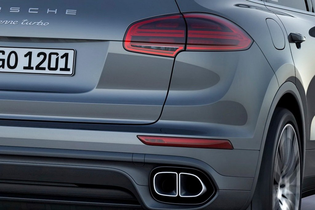 2015 Porsche Cayenne Turbo Exhaust