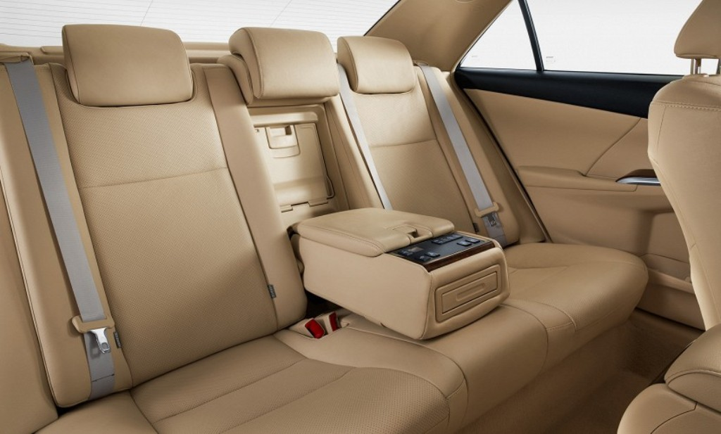 2015 Toyota Camry Facelift Rear Seats