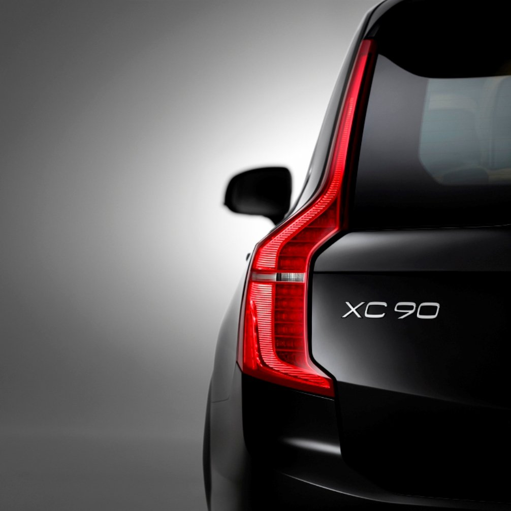2015 Volvo XC90 First Edition Rear