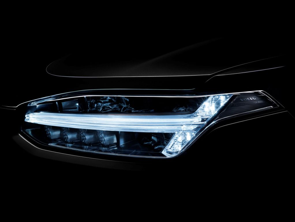 2015 Volvo XC90 T-Shaped LEDs
