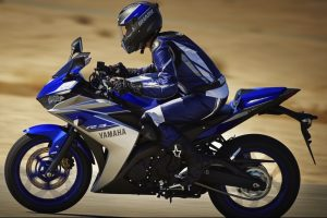 2015 Yamaha R3 Side