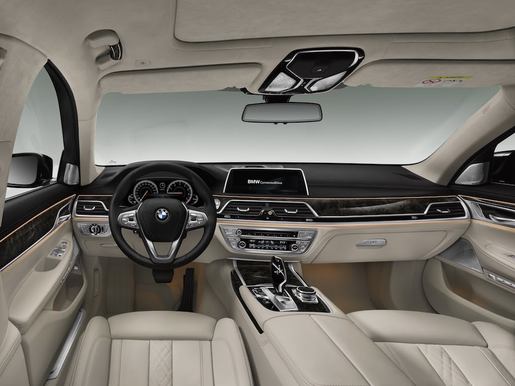 2016 BMW 7-Series Dashboard