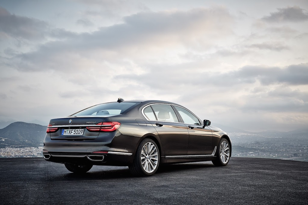 2016 BMW 7-Series Rear