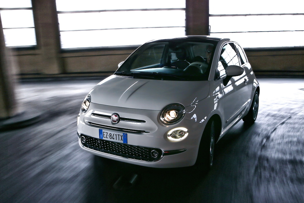 2016 Fiat 500 Facelift Officially Revealed, Gets 1800 Changes