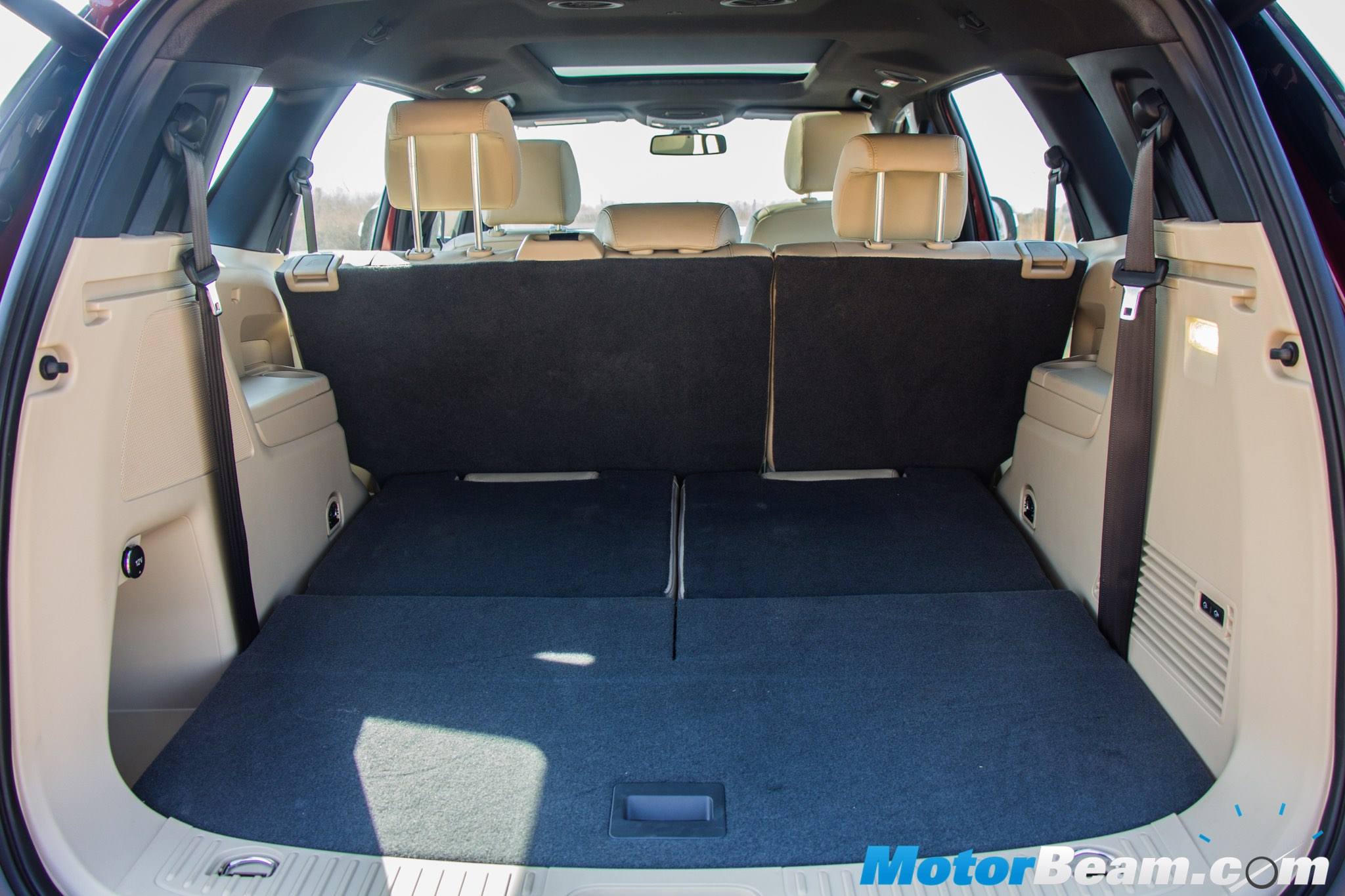 2016 Ford Endeavour Cargo Space