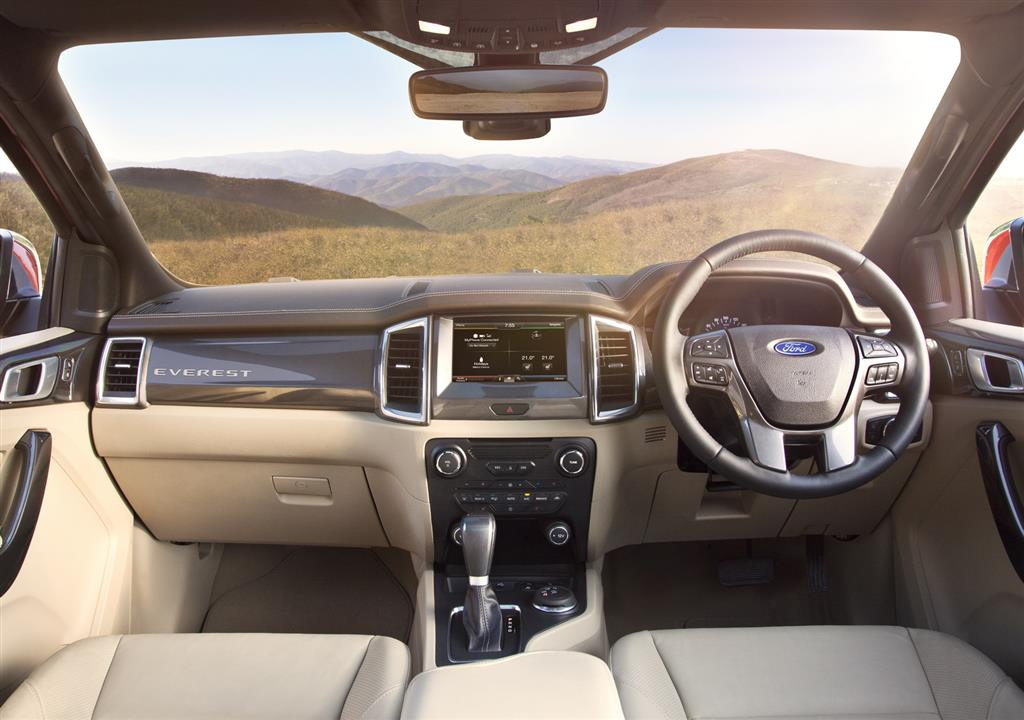 2016 Ford Endeavour Interiors