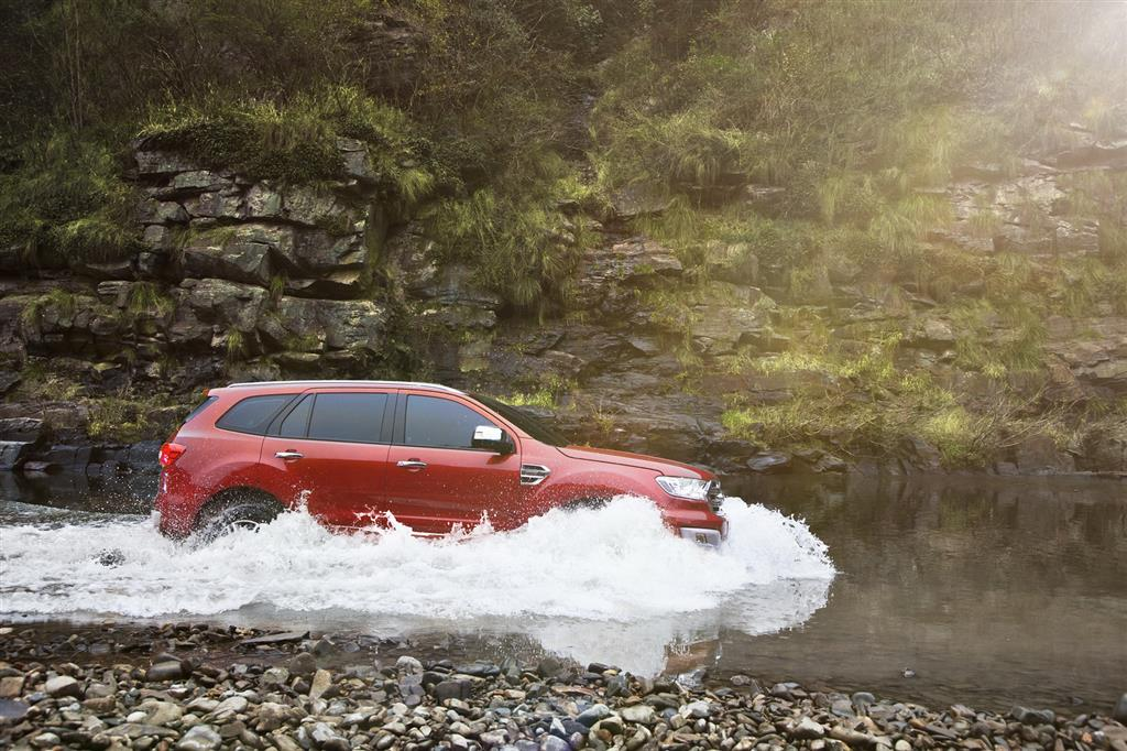 2016 Ford Endeavour Off-Road