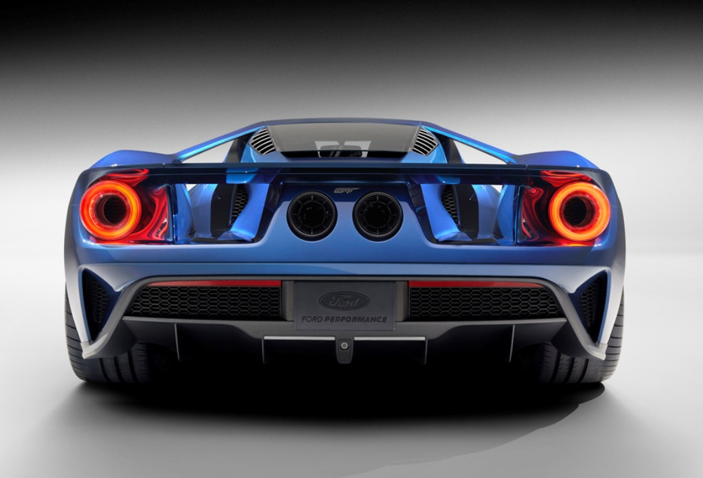 2016-Ford-GT-Exhaust