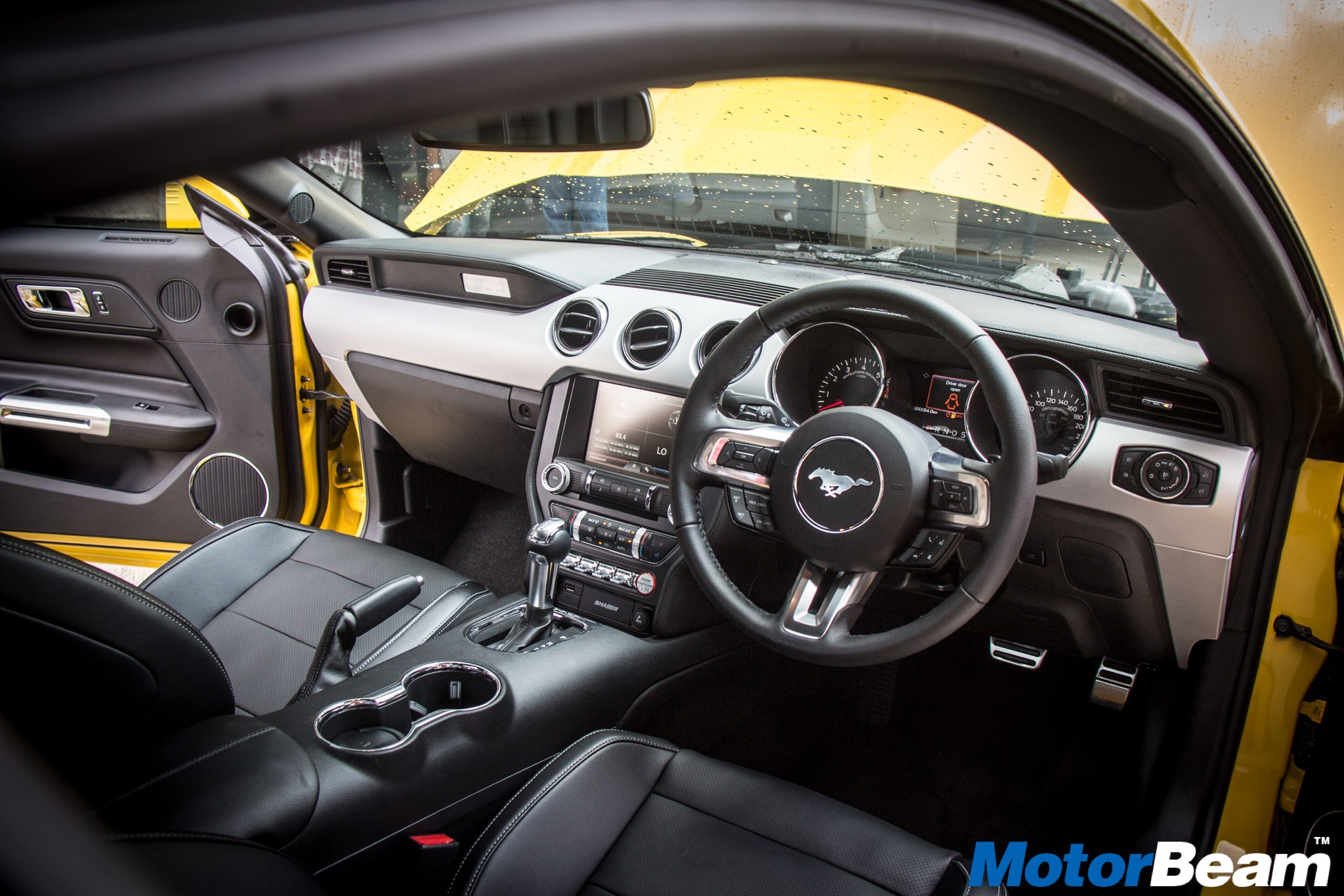 2016 ford mustang gt dashboard