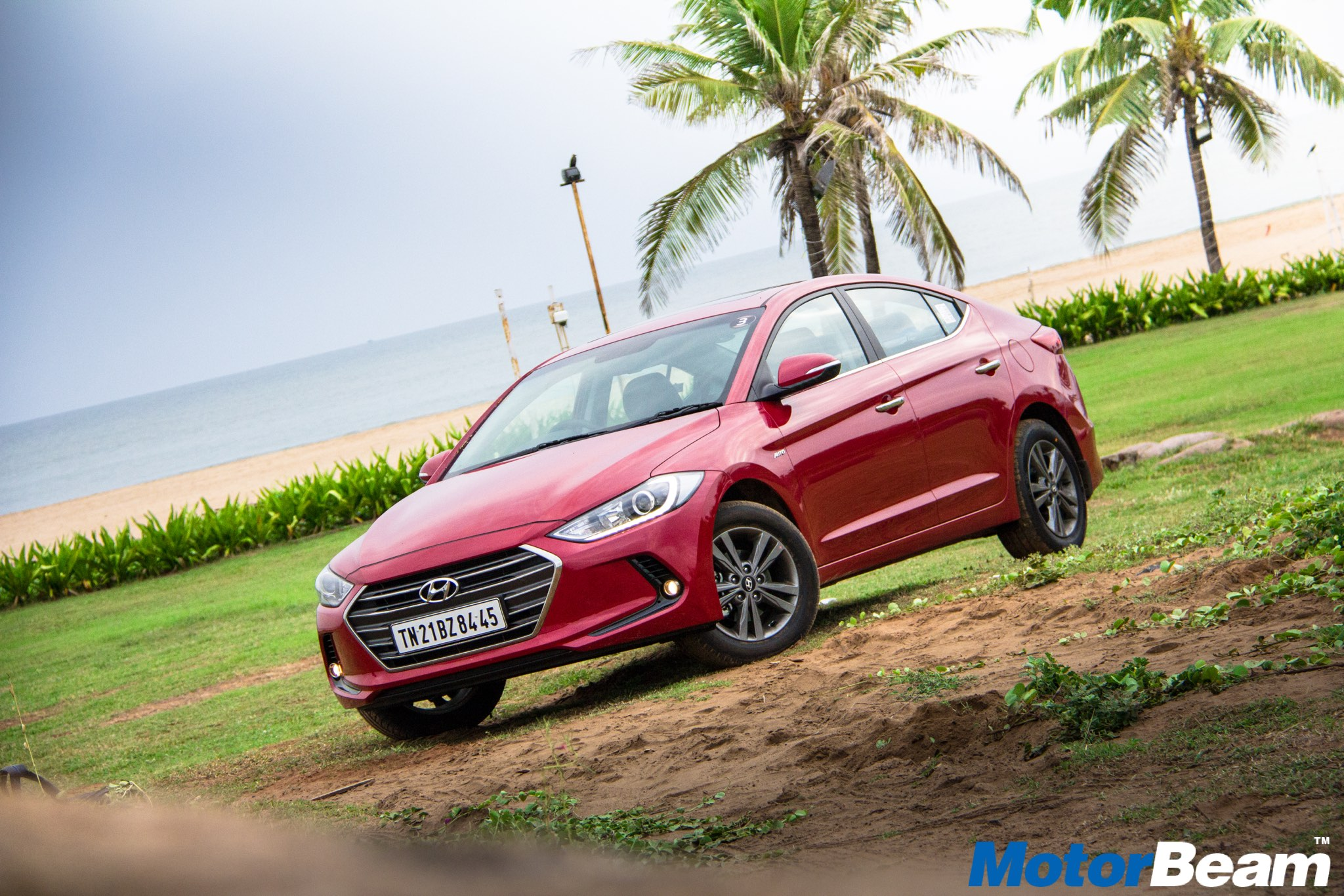 review news show quick elantra hyundai more side sport magazine take automobile profile