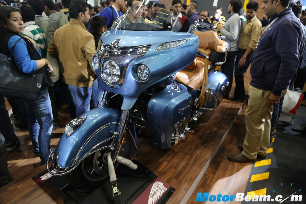 2016 Indian Roadmaster Blue Front