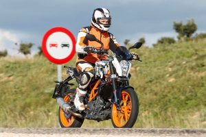 2016 KTM Duke 390 Spy Shot