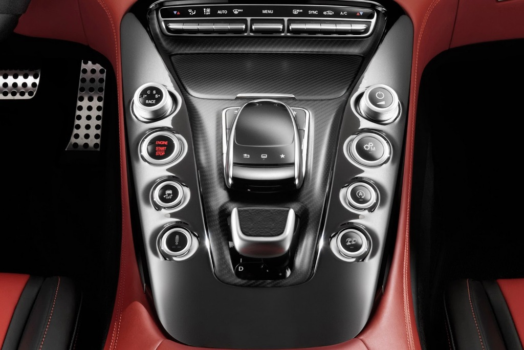 2016-Mercedes-AMG-GT-Centre-Console