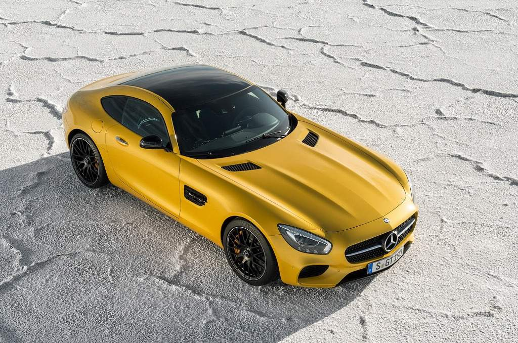 2016-Mercedes-AMG-GT-S-Top